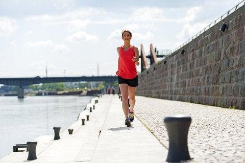 Obiceiuri sănătoase pentru o viață liniștită precum exercițiile fizice
