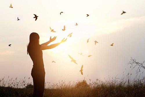 Persoanele care nu se tem de singurătate își găsesc fericirea în ele însele