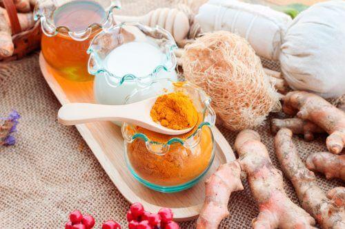 Remedii naturale pentru lubrifierea zonei intime pe bază de curcuma