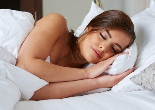 Somnul insuficient pe lista de simptome ale nivelului ridicat de cortizol