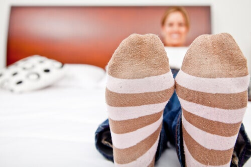 Șosetele terapeutice pentru tratarea circulației deficitare la picioare