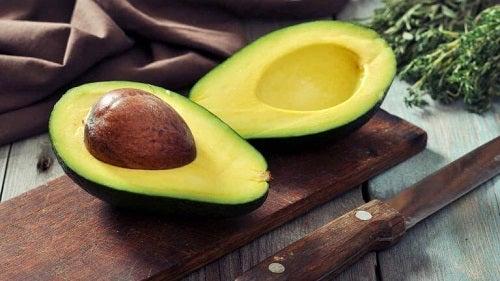 Avocado pe lista de alimente ideale pentru curățarea colonului