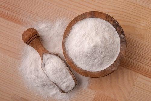 Bicarbonat de sodiu în măști pe bază de cafea