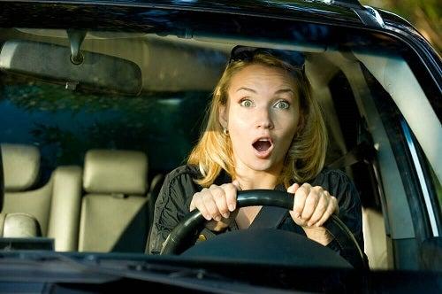 Care sunt cauzele fricii de șofat în cazul femeilor