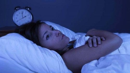 Ce să faci dacă te trezești noaptea ca să te odihnești suficient