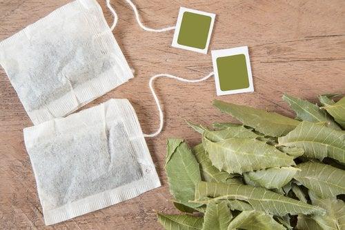 Ceaiuri care sunt remedii naturiste pentru mirosul vaginal neplăcut