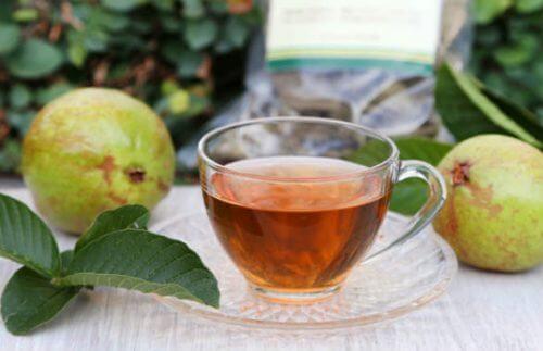 Ceaiuri pe lista de remedii naturiste pentru reglarea glicemiei
