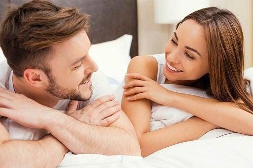 Cum să stimulezi erecția partenerului printr-o comunicare reușită