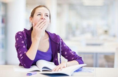 Dezechilibre hormonale ce afectează aspectul fizic și provoacă oboseală