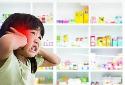 Fotofobia pe lista de simptome ale meningitei la copii