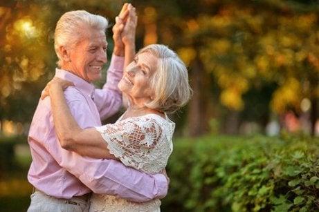 Menținerea în formă după 50 de ani prin dans