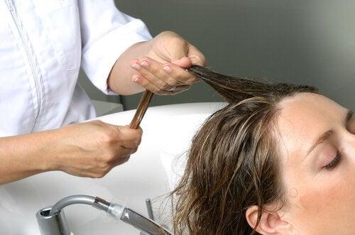 Prevenirea căderii sezoniere a părului cu o loțiune naturală