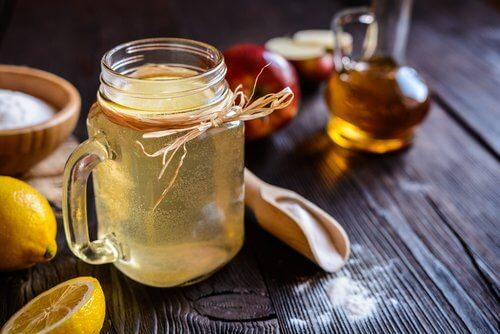 Remedii naturiste pentru mirosul vaginal neplăcut ca oțetul de mere