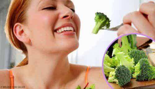 4 rețete delicioase cu broccoli proaspăt