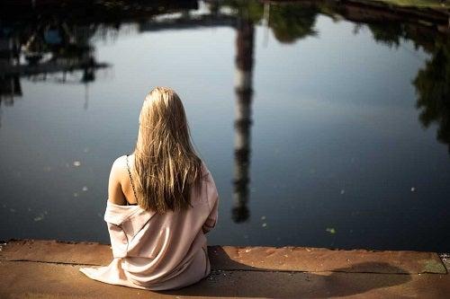 Sfaturi pentru acceptarea singurătății printr-o atitudine pozitivă
