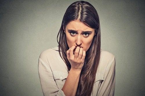 Sfaturi pentru combaterea anxietății prin exprimarea emoțiilor