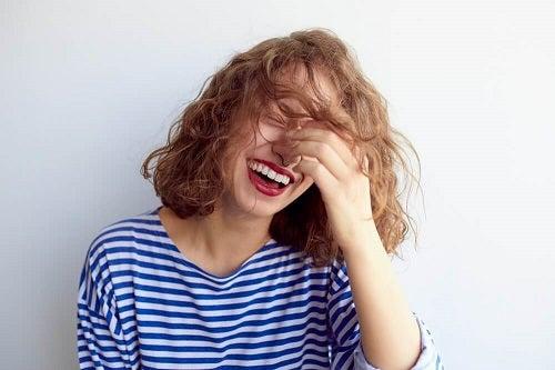 Sfaturi pentru combaterea anxietății prin râs