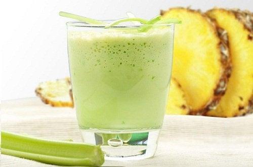Smoothie-uri pentru detoxifierea organismului cu ananas