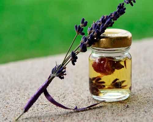 Utilizări ale uleiului esențial de levănțică în aromaterapie