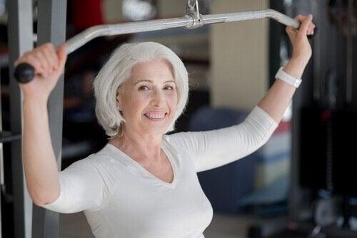 Cât sport trebuie să faci după 50 de ani