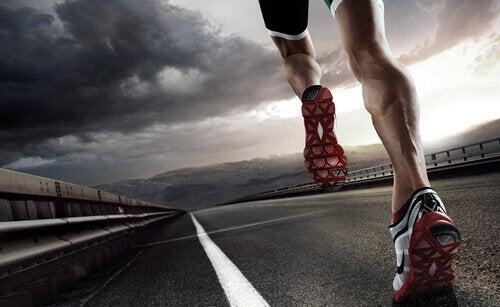 Cât sport trebuie să faci pentru a preveni efectele negative ale suprasolicitării fizice