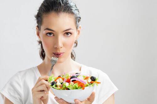 Ce este epigastralgia și cum o poți preveni printr-o alimentație adecvată