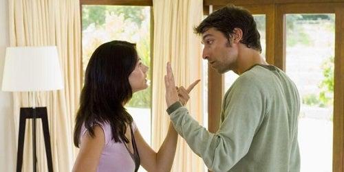 Conflict din cauza unor comportamente care prezic eșecul unei relații