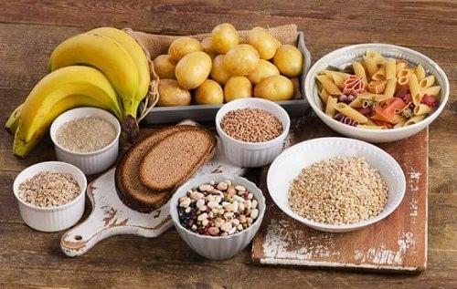 O dietă care susține rutina de exerciții pentru un abdomen tonifiat