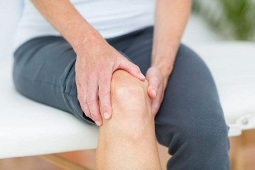 Nevoia de exerciții pentru întărirea genunchilor care previn leziunile