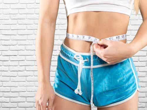 5 exerciții pentru un abdomen tonifiat