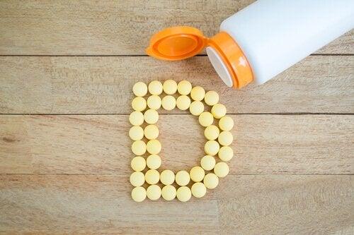 Flacon care conține suplimente cu vitamina D