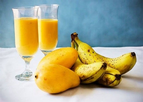 Mango inclus în smoothie-uri pentru curățarea ficatului cu fructe