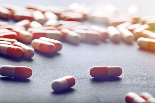 Medicamente înlocuite de remedii naturale pentru durerile în gât