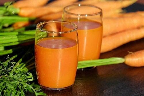 Morcovi incluși în remedii pe bază de ceapă pentru tuse