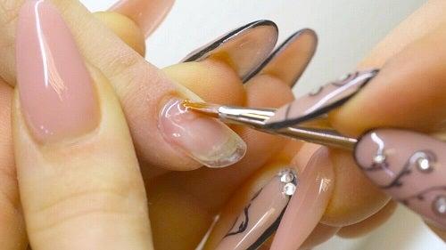 Motive pentru care ai unghiile fragile precum manichiura cu gel