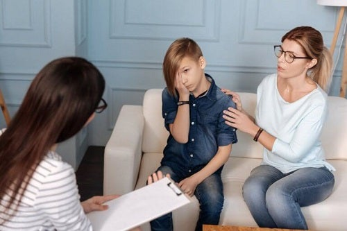 Psiholog încercând să afle dacă copilul meu este psihopat