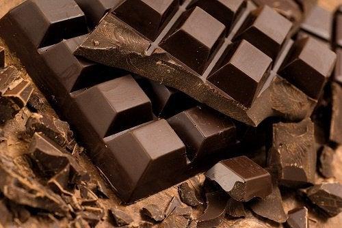 Remedii naturiste pentru hipertensiunea arterială cu ciocolată neagră