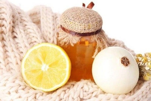Remedii pe bază de ceapă pentru tuse care conțin și miere