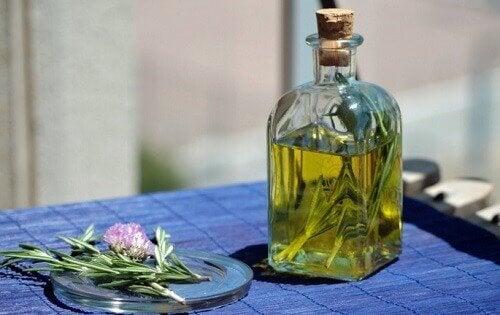 Remediu natural cu virnanț și lămâie fără alcool