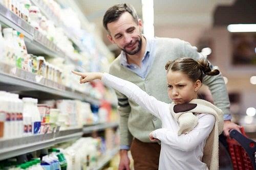 Sindromul copilului de bani gata este cauzat de părinți