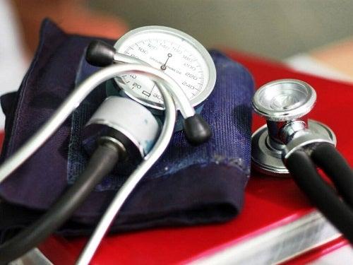 Tensiometru care asigură măsurarea corectă a tensiunii arteriale acasă