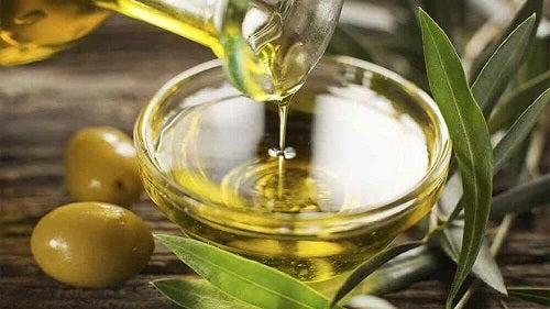 Tratamente cu ulei de măsline pentru piele uscată