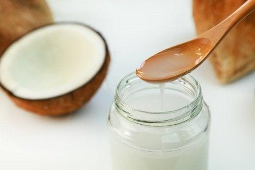 Tratamente naturiste pentru vaginită precum uleiul de cocos