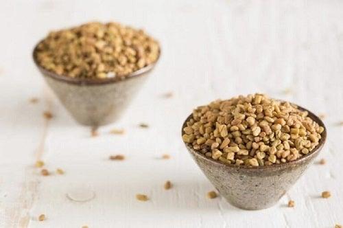 Tratamente pentru părul subțire cu semințe de schinduf