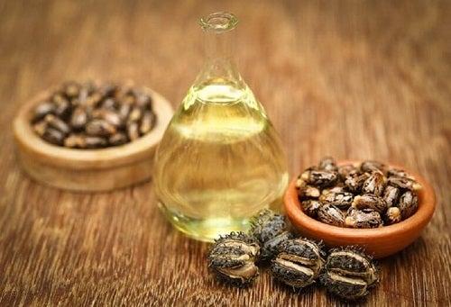 Tratamente pentru părul subțire cu ulei de ricin