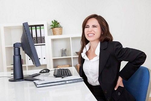 Trucuri pentru ameliorarea durerii lombare prin corectarea posturii