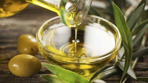 Ulei de măsline inclus în remedii naturiste pentru hipertensiunea arterială
