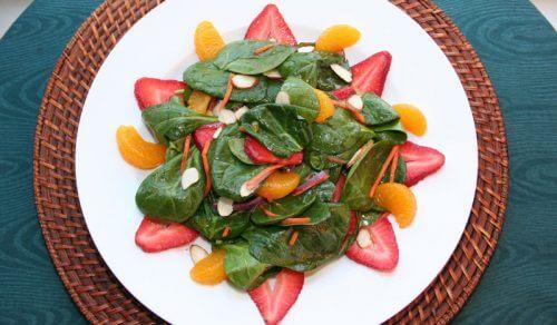 Utilizări interesante ale mandarinelor ca ingredient în salate
