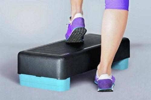 Accesorii pentru exerciții pentru fortificarea genunchilor