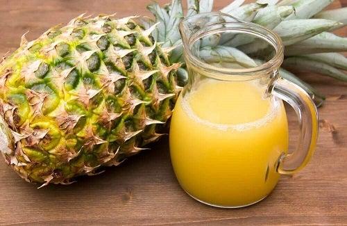 Ananas în sucuri care elimină grăsimea abdominală